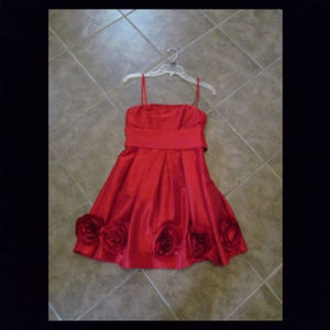 FOREVER 21 Red formal dress w/ flowers, size Small